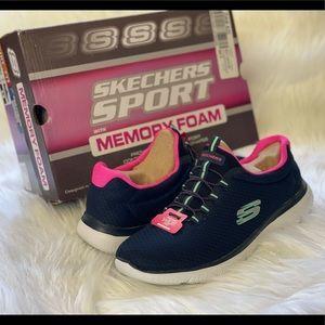 NEW Skechers memory foam Walking Sneakers WID FIT